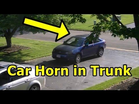 Funny Pranks : Car Horn Scare Prank