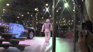 Робот Asimo в Москве 2014