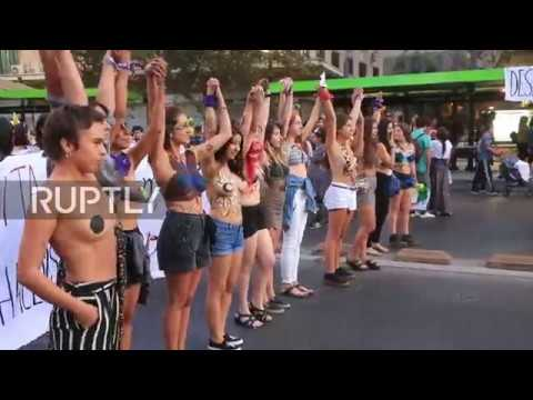 Chile: Santiago's women march from day to dusk for Int'l Women's Day