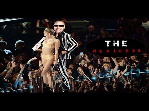 THE REALNESS: Top 5 Most Awkward At The VMAs