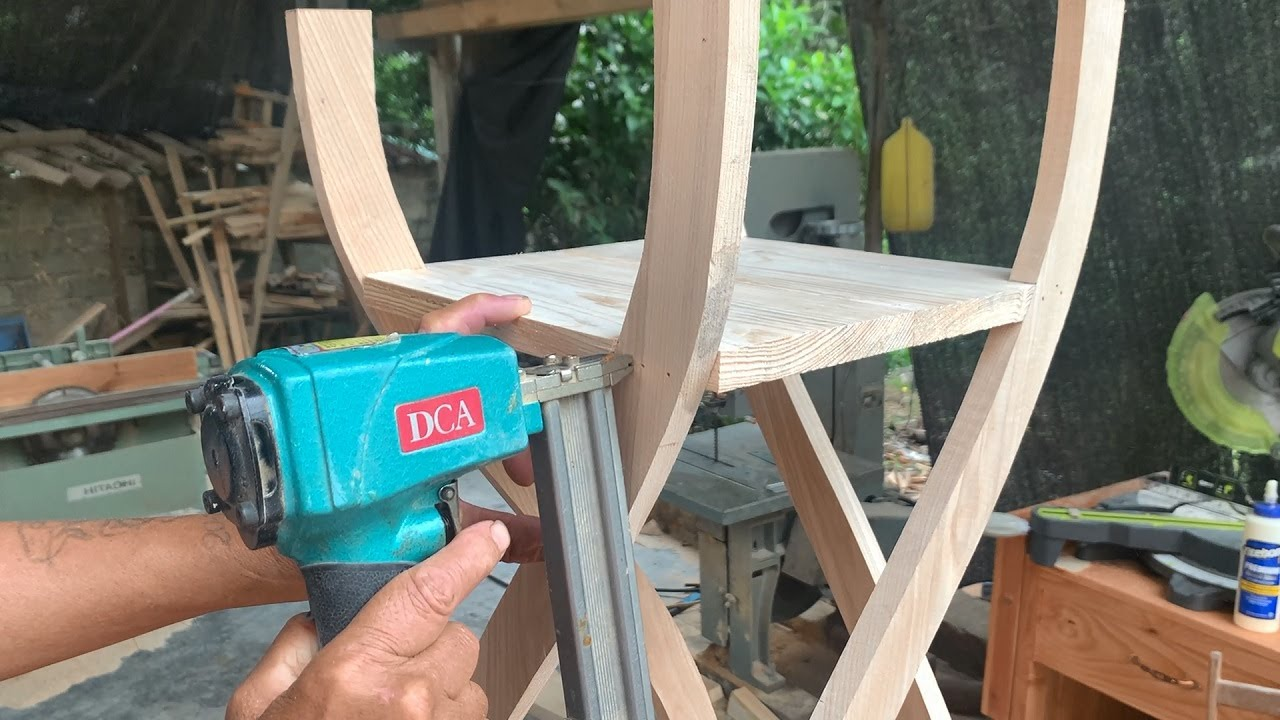 Amazing Ideal Woodworking Design Ideas // How To Make A Modern Style Multi tiered Tree Stand - DIY!
