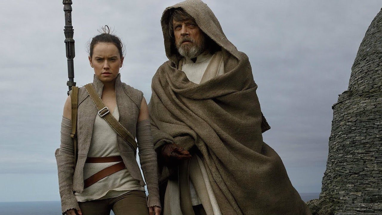 Why Luke Won't Train Rey in Star Wars: The Last Jedi – Mark Hamill Interview