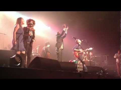 The Lumineers - American Music (Violent Femmes cover) - live in Hamburg