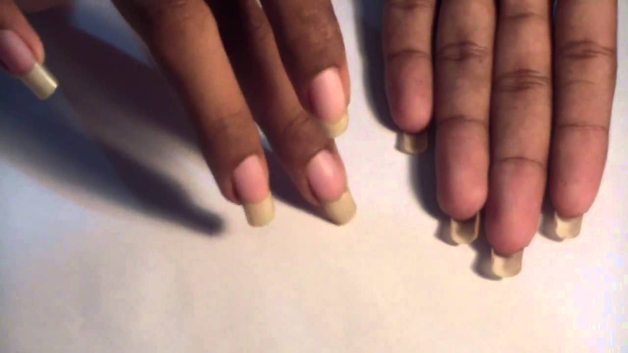 Beyonceesha writing letters with her long nails (video 14) - YouTube