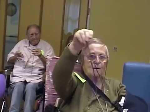 Juegos Y Ejercicios Para Los Abuelos Youtube