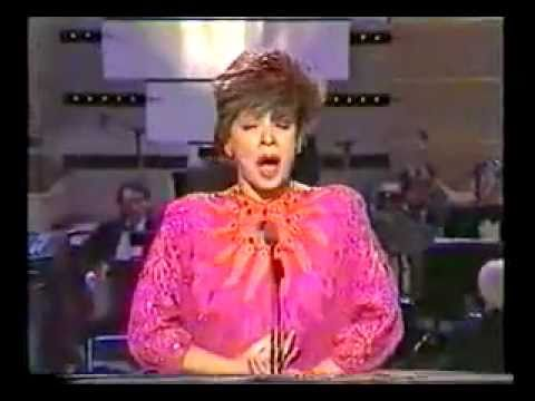 Shirley Bassey   Tarby & Friends 1986 When You're Smiling   What I Did For Love
