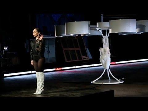 Lady Gaga Shows Off