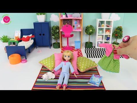 Jugando con mi muñeca Lottie y Juguetes de Barbie