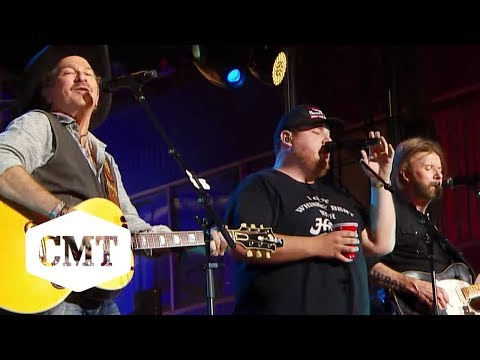 "Brooks & Dunn & Luke Combs Perform ""Brand New Man"" 