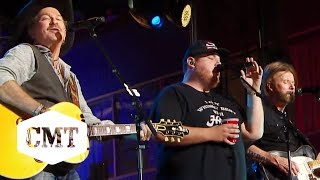 "Brooks & Dunn, Luke Combs Perform ""Brand New Man"" 