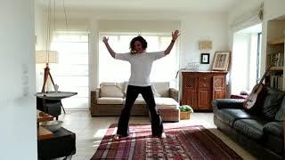 ריקודון בסלון גרוב