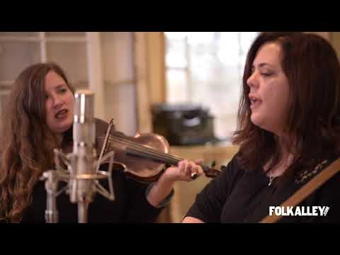 "Folk Alley Sessions: Jolie Holland and Samantha Parton - ""Little Black Bear"""