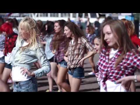 Зажигательный танцевальный флешмоб от KARI (СПБ)