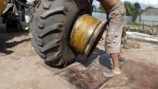 видео Как заменить колесо своими руками