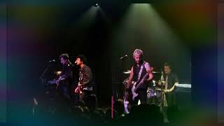 Green Day - Peacemaker (Live debut at The Independent 2009)