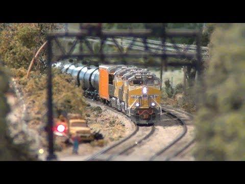 Scale Trains Tier4 Gevos Union Pacific