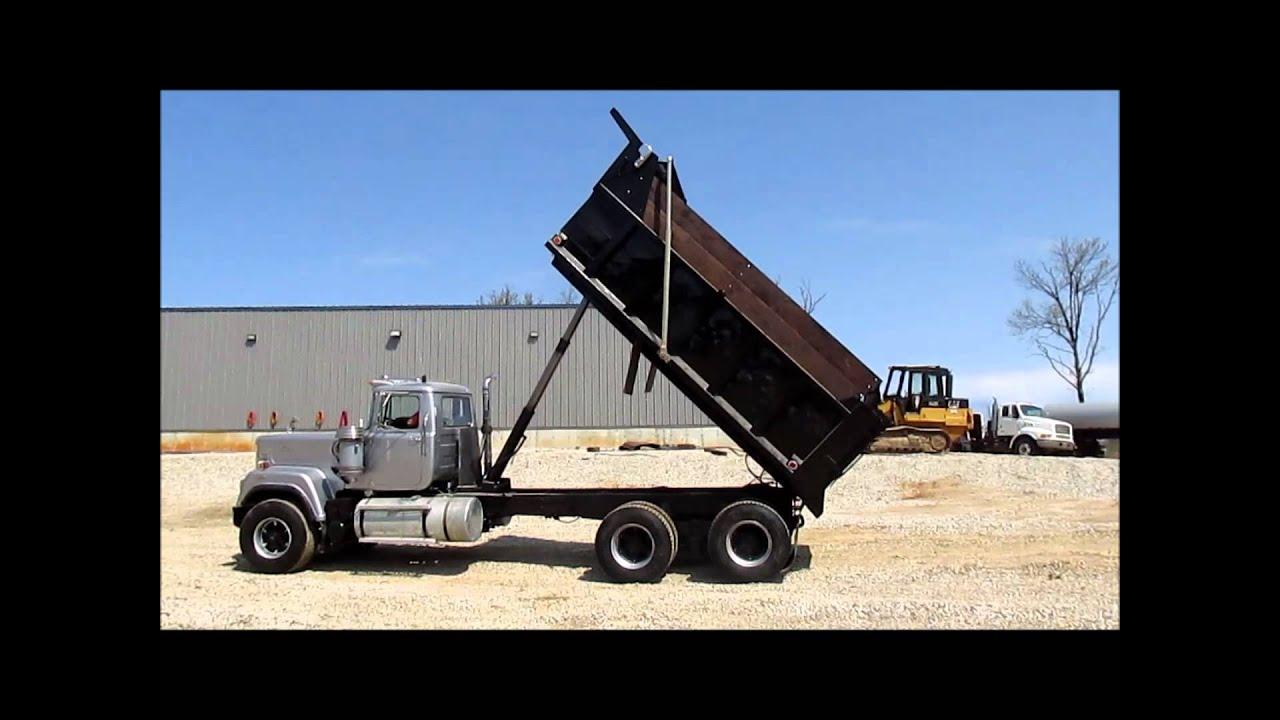 1989 Mack RW753 Super Liner dump truck for sale   sold at auction ...