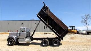 1989 Mack RW753 Super Liner dump truck for sale | sold at auction May 28, 2015