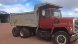 1976 Ford 9000 Truck