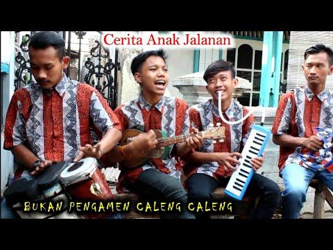 Walau tak bisa bermain alat musik atau bernyanyi, Presiden Jokowi bertepuk tangan mengiringi Lagu Ja.