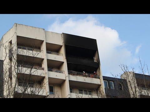 Pompiers De Paris Incendie Appartement Près Saint Gervais Paris Fire Dept On Scene Apartment Fire