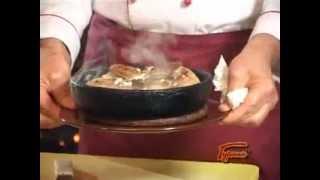 Курица Шкмерули .Chicken Skoroi or chicken in the milk-garlic sauce.