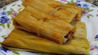 Tamales Rojos y Verdes de Pollo y Tamales de Queso Receta Familiar