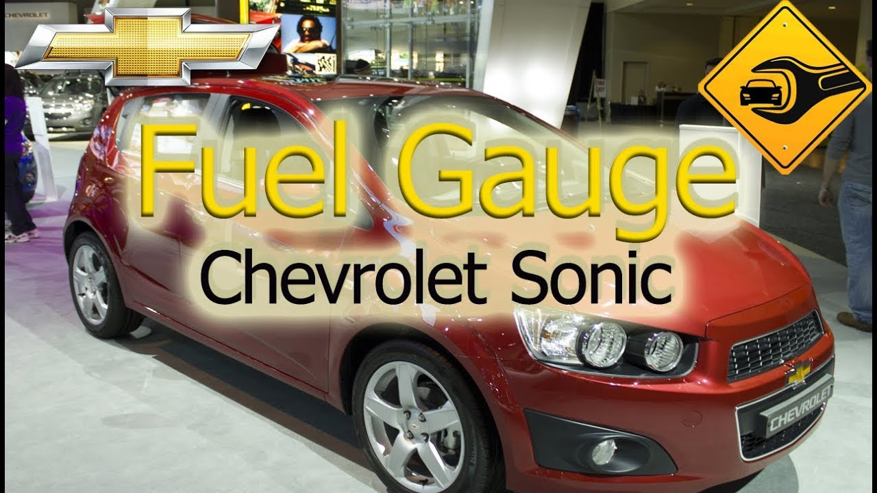 Chevrolet Sonic Owners Manual: Low Fuel Warning Light