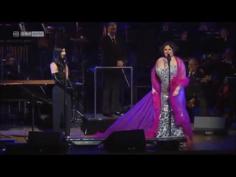 Conchita Wurst. - Singing songs of Shirley Bassey in Sydney, Austrália.