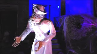 Halloween Night 2020   Trick or Treat   Checking out scary cool houses