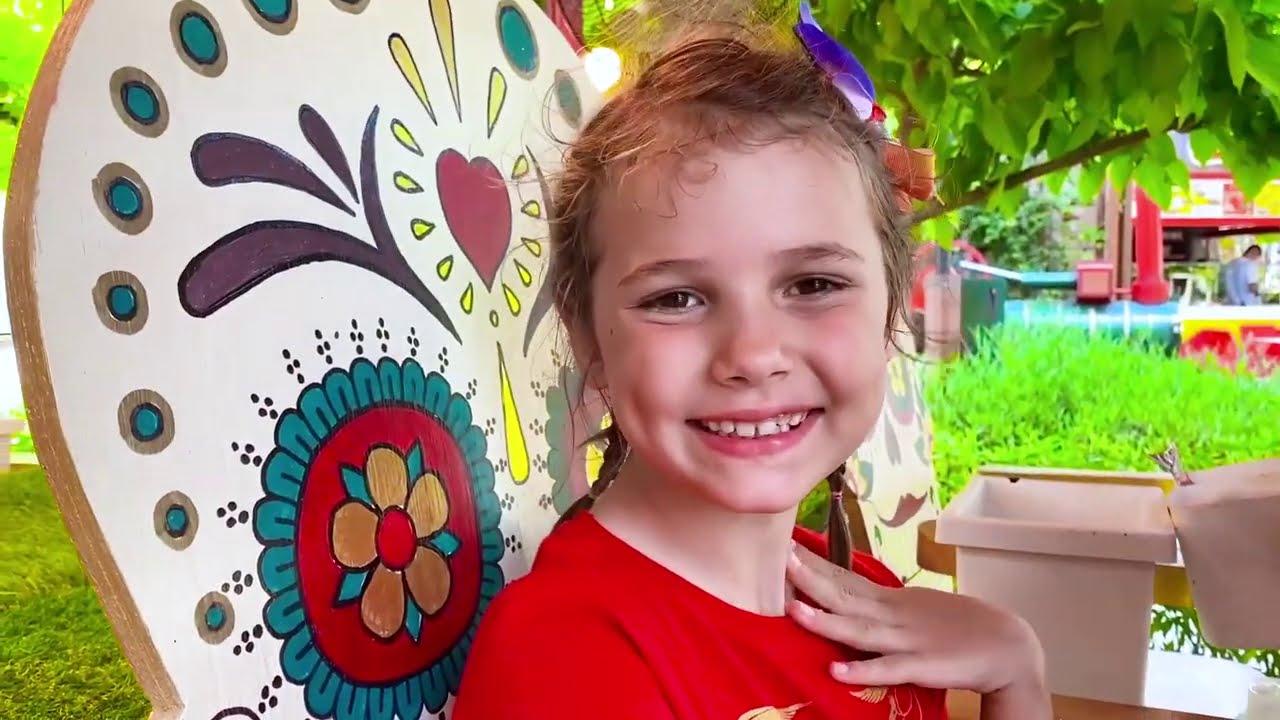 Катя и подружки в парке развлечений Земля Легенд
