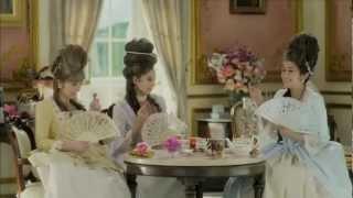 SHELLYさん、ラブリさん、ドーキンズ英里奈さんが出演しているブルボン...