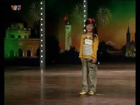 Bé Thanh Trúc hát