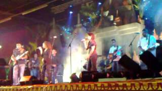 """BLB (Band Luar Biasa) """"Cuma ale sendiri"""" @ pasar malam Hengelo 24-04-2009"""