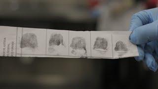 México: Convenio de INE, PGR y CONATRIB para identificación de restos humanos por huellas