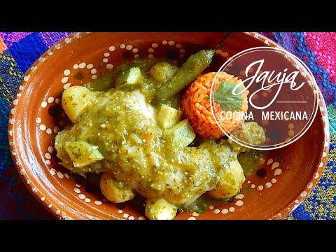 Pollo en Salsa Verde. Pollo en Salsa Verde de Tomatillo. Cocina Mexicana