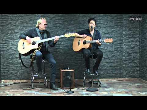 ENGL TV - A101 Acoustic amp demo by Yaelle Cinkey & Martin Engelien