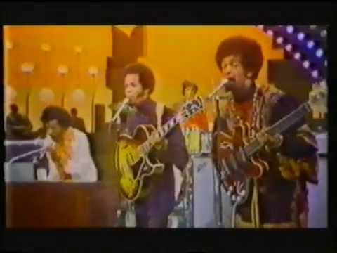 Sly & the Family Stone - Dance to the Music Live
