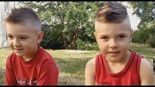 Модная стрижка для мальчиков Игорек и Максимчик в парикмахерской Children's hair cut