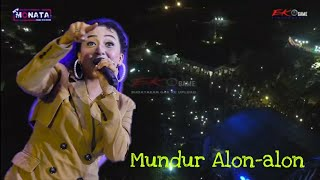 Download Mp3 Elsa Safira - Mundur Alon-alon - New Monata Live Gresik