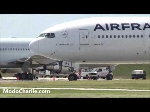 Boeing 777 Air France F-GSPV despegando de Aeropuerto de Carrasco