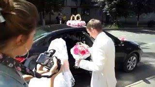 наша свадьба 4 года назад)выходим из загса)