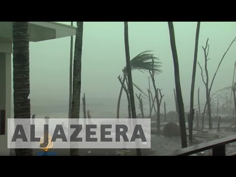 Philippine island paralysed by Typhoon Haiyan