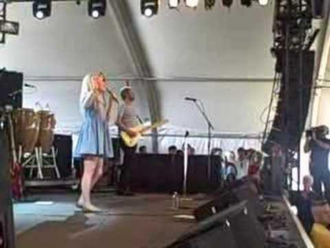 "Coachella 2008: Duffy - ""Syrup And Honey"""