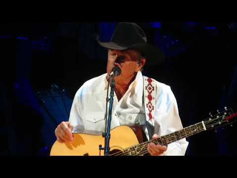 George Strait - You Look So Good In Love/DEC 2017/Las Vegas, NV/T-Mobile Arena