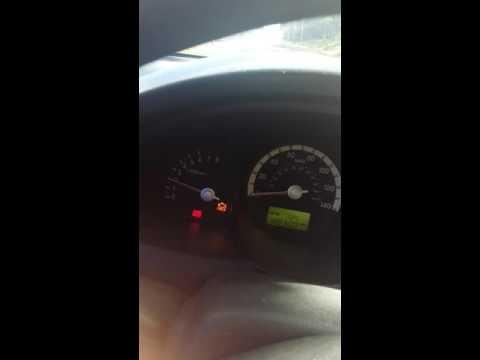 Me carro se acelera sólo kia 2005