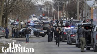 Gunman in Illinois warehouse kills five people