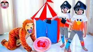 หนูยิ้มหนูแย้ม   โจรสลัดฝึกสิงโต Pretend Play Pirates and Lion