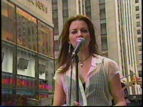Martina McBride Singing Independence Day.