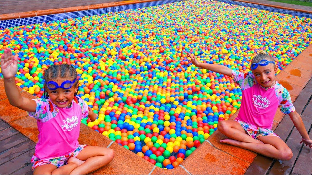 Las Ratitas Llenan Su Piscina De Bolas De Colores Youtube